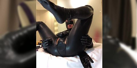 how much does latexitaly enjoy in her shiny latex?